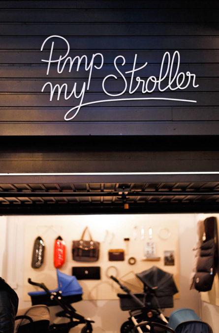 Label Experience : signalétique de l'espace poussettes dans la boutique Smallable à Paris