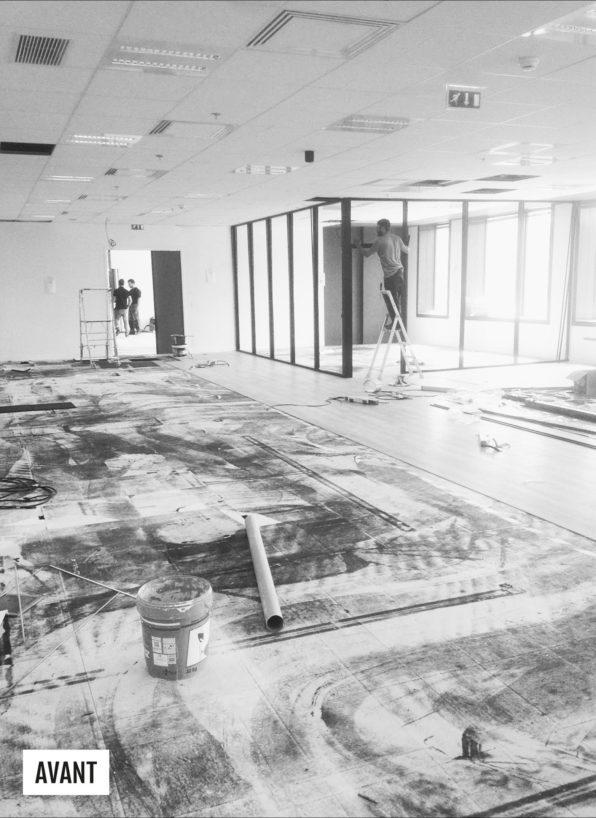 Label Experience: Image en noir et blanc du chantier avant les bureaux de « Sodexo » au Social Hub.
