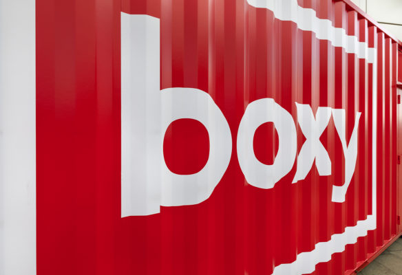 Label Experience : focus sur la facade arrière de la boutique Boxy by Storelift