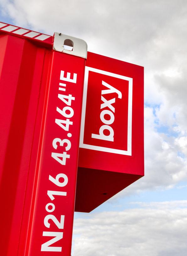 Label Experience : enseigne de la boutique Boxy by Storelift