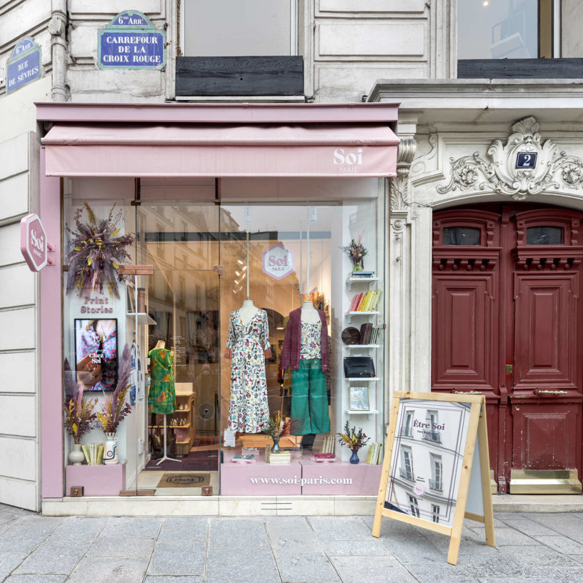 Label Experience : devanture de la boutique Soi à Saint-Germain-des-Prés