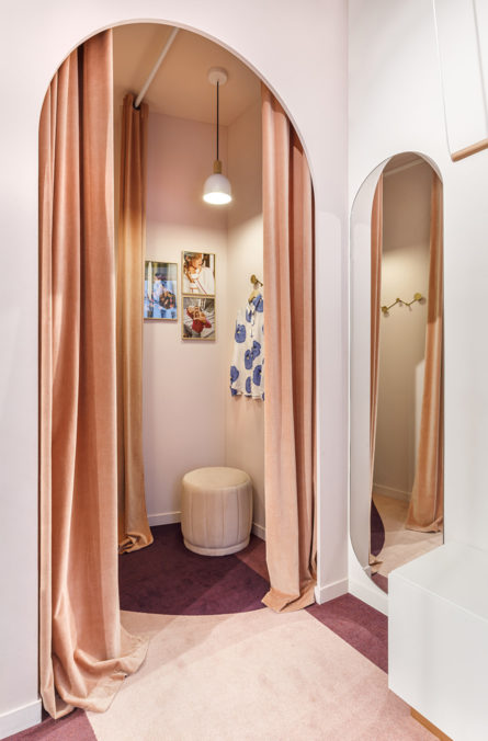 Label Experience : cabines d'essayage de la boutique Soi à Saint-Germain-des-Prés